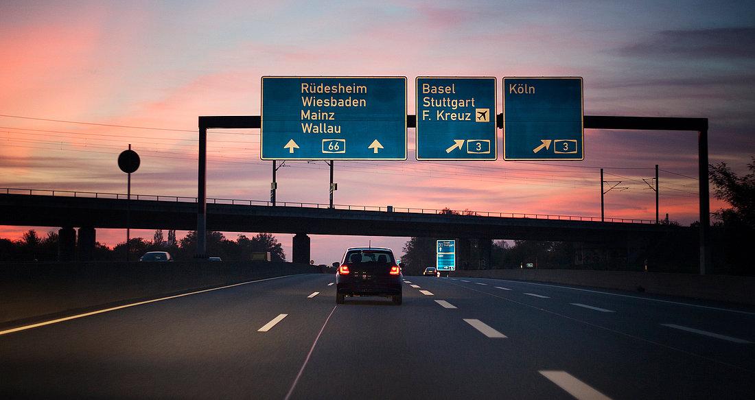 Reflektujuće folije za saobraćajne znake